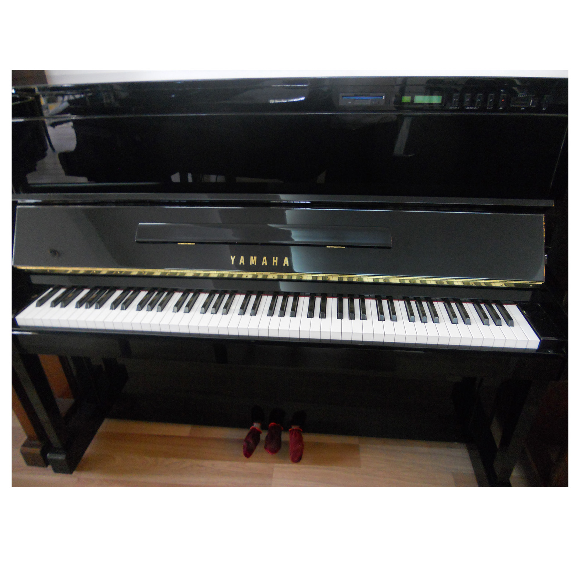 Đàn piano Yamaha SX101RBL
